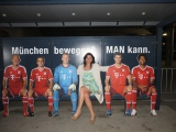 FC Bayern: wen Frau so trifft nach der Arabella Feier in der Allianz Arena