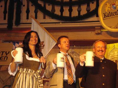 Starkbierfest 2009 der Schlossbrauerei Kaltenberg  Mit dem Vizepräsident des Bay. Landtages Reinhold Bocklet  und dem 1. Geschäftsführer Klaus-Dieter Nicola