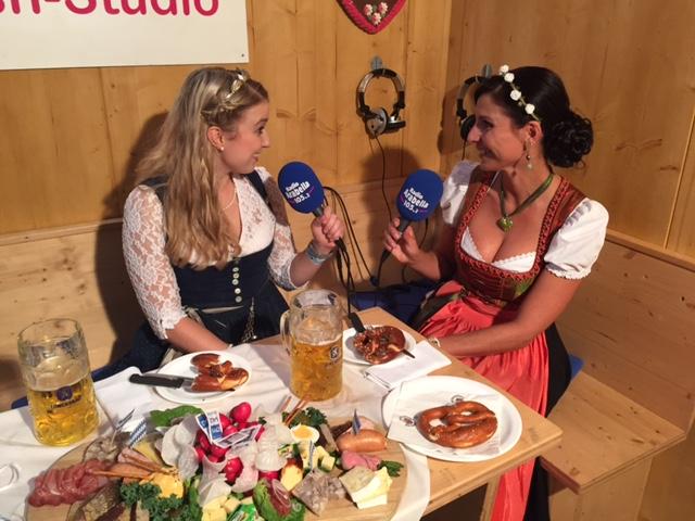 bayerische Bierkönigin Sabine Ullrich zu Gast im Arabella Wiesnstudio